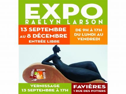 Raelyn Larson expose à Favières