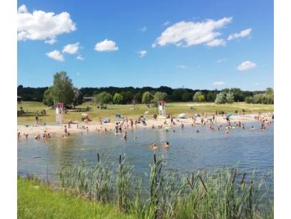 Base de loisirs à Favières